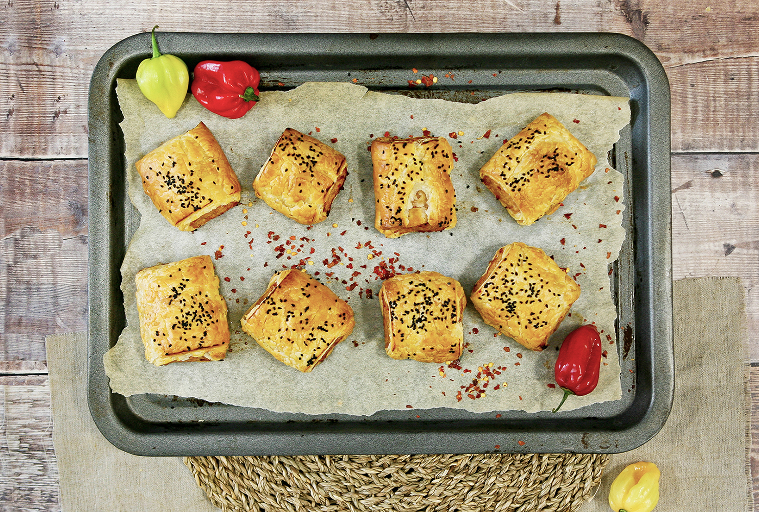 TYKE HOT & SPICY SAUSAGE ROLL MIX